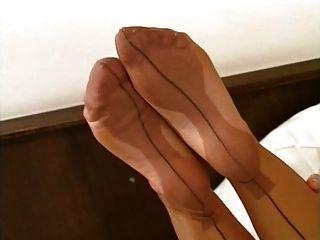 Incrível pés de nylon 02