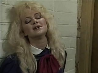 Britt morgan leva no queixo (1995) pt.1
