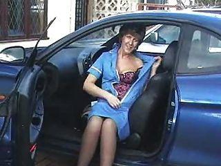 Sara, enfermeira, car