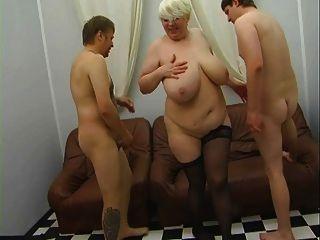 Russo, maduro, mãe, seduzindo, jovem, seda, vestido, pt1