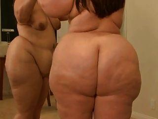 Bbw na frente do espelho