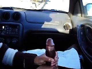 Handjob no carro