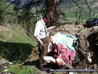 Fod anal difícil na montanha