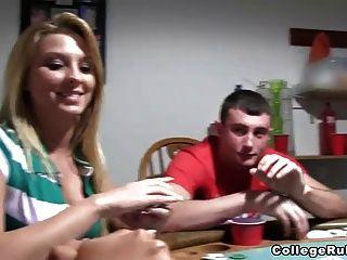 Bare assed putas de poker