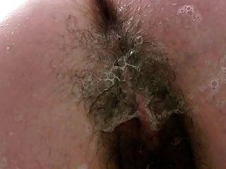 Chub na banheira sabonetes até sua coxa peluda grossa lipped
