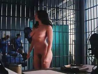 Tira na prisão de mulheres