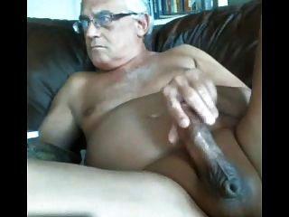 Likeaolder vovô 61 y d jerking fora de seu galo gordo e cum