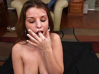 Boquete amador agradável e cum em sua boca