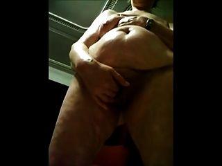 Avó filmada nu