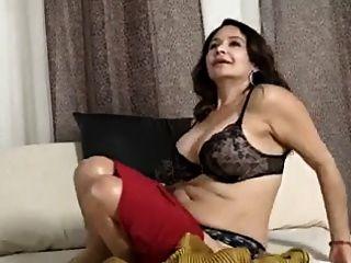Mamãe com boobs saggy \u0026 buceta doce