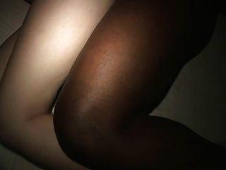 Spycam milf uivos fodidos por bbc cuck pets seus peitos