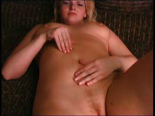 Blonde bbw ex namorada brincando com mamas e buceta
