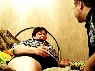 Mãe madura russa e seu filho!amador!