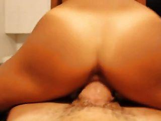 Amadora garota latina fodida por galo enorme