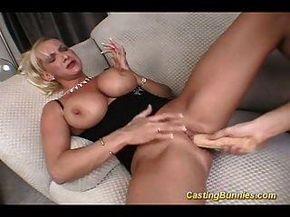 Casting busty bunny fucking no bichano e anal difícil