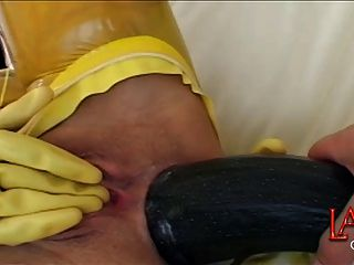 Enorme anal vegetal faz asshole gaping
