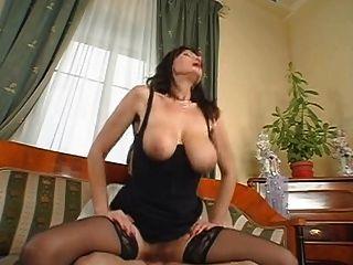 Grandes mamas sexy maduras saggy boobs peludo pussy