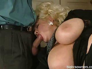 Busty mamãe alemã dupla fodido