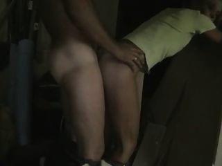 Amador anal no porão
