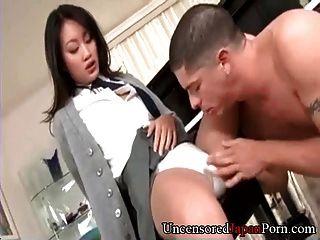 Rapaz japonesa rapada sem censura