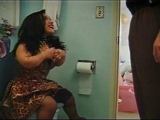 Midget fodido no banheiro