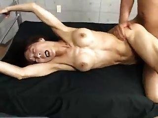 Asiático coleção músculo milf