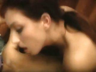 Sexo lésbica quente do grupo do escritório, fingering, lambendo