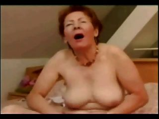 Grande masturbação de velha puta