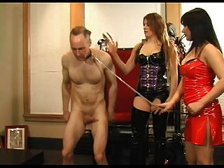 2 amantes fodem os escravos duro galo