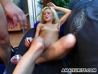Namorada amadora loira suga e fode com facial