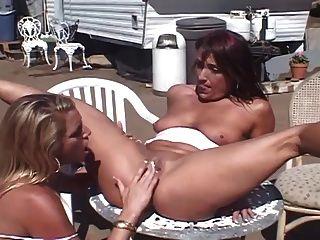Trailer trash milf lésbicas grupo sexo