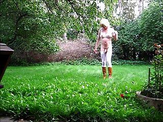 Jeannet fuentes desvestido no jardim