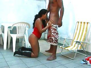 Primos brasileiros fazendo sexo