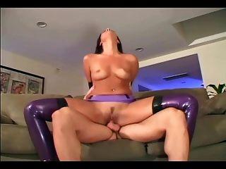 Slutty fetiche empregada fode em lingerie brilhante látex