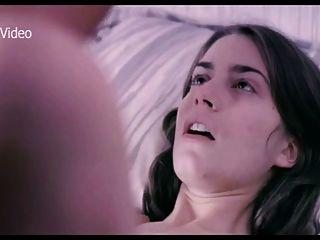 Alicia rodriguez na cama com uma namorada