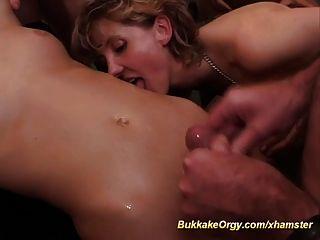 Loiras obter e compartilhar esperma