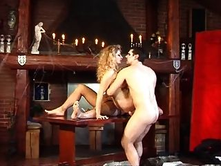 Dois vampiros gostam de menina quente