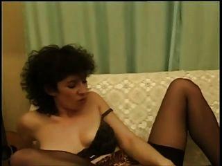 Lésbicas francesas lambendo e fisting