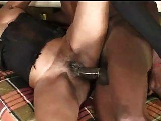 Preto maduro em 1 porno cena