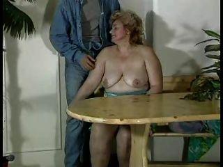 Granny award n16 bbw peludo maduro com um jovem