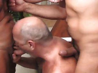 Trio de maduros