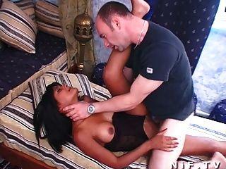 Garota curtida francesa fodida anal