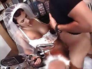 Jovem esposa suga e fode com o fotógrafo