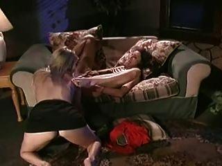 Duas lésbicas quentes comem-se para fora