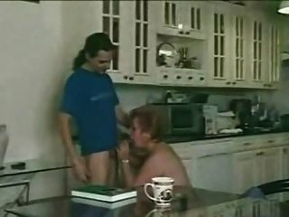 Cabeludo, avó, satisfaz, jovem, menino, cozinha
