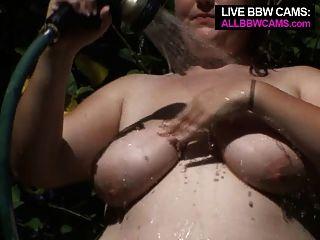 Bbw do bichano que joga com uma barriga gorda da mangue