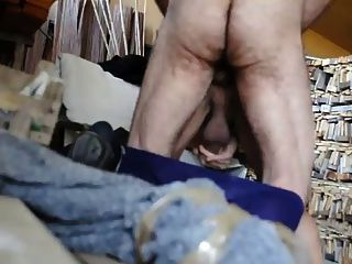 Espanhol papai peludo fode vídeo 3