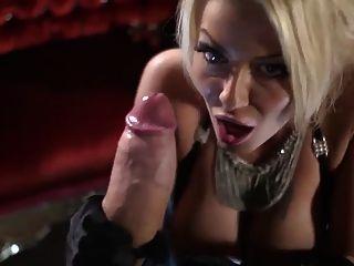 Gorgey tia layne suga cock monstro e fica confuso facial