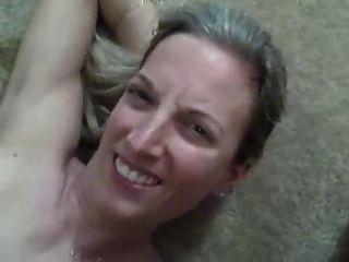 Super quente esposa fica enorme carga de cum em sua boca!