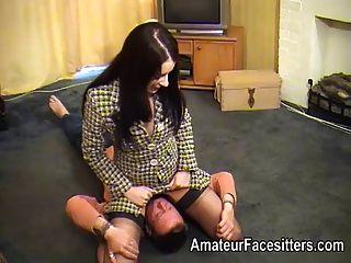 Negócio, mulher, meias, facesitting